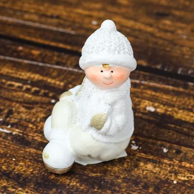 Figurka ceramiczna chłopiec 11 cm