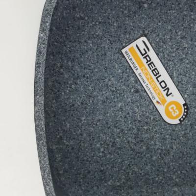 Garnek granitowy Rubin z pokrywą kwadratowy 4,4 l