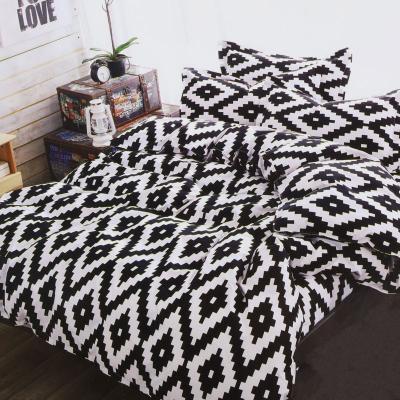 Komplet pościeli bawełnianej czarno-białe romby 160x200 cm